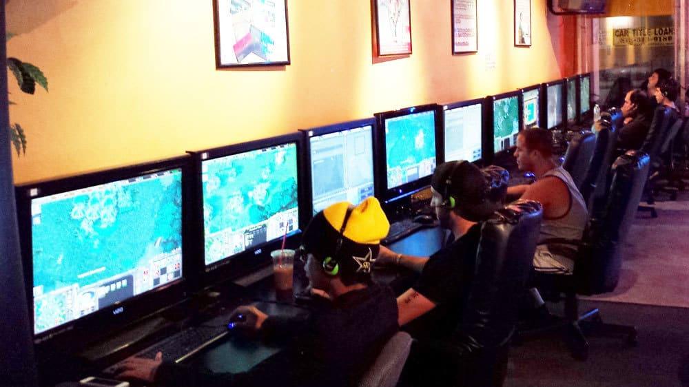 Hour Internet Cafe Los Angeles